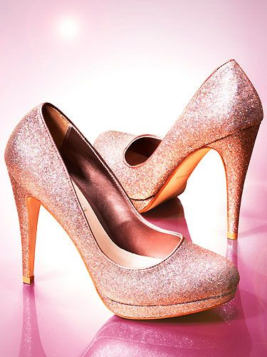 If Cinderella wore a pair of these beauties to the ball we're certain she'd never leave them behind! Add some luxe to your outfit by finishing off with a pair of these - no doubt you'll be the new belle of the ball