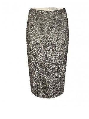 Yes, pencil skirts are always a hit in the style stakes, but a sequin pencil skirt? Now that's what we're talking about! This sparkly piece is perfect for adding a splash of luxe to a plain silk blouse - amaze!