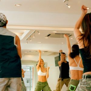 Inject some passion into your weekly routine! Put an evening aside for dance sessions, baking lessons, wine tasting or perfumery classes – anything that awakens your sensual side!