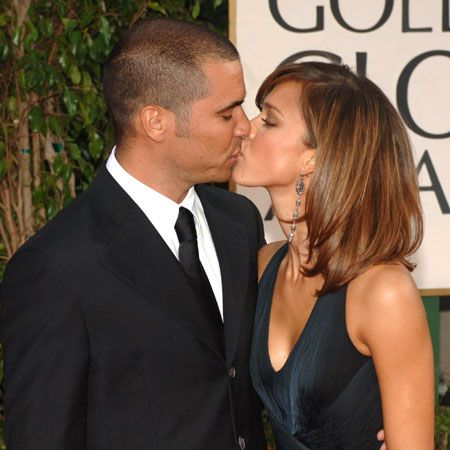 We're getting you in the mood for National Kissing Day with some celebrity smooches. From TomKat's excessive embraces to Katie and Peter's pap-loving pashes, here are some of the famous public displays of affection<br /><br /><br />Jessica Alba and Cash Warren - They've recently married and had their first child&#x3B; proof there's love behind this lust <br /><br />