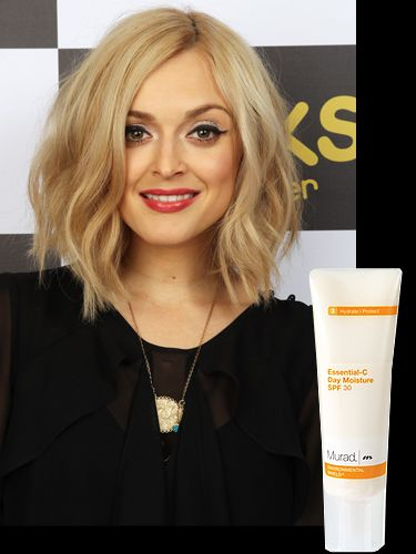 """<p>Cosmo pinned down Fearne's makeup artist, Justine Jenkins, straight after the Cosmo Ultimate Women Awards and discovered exactly how she keeps her skin so glowy.</p> <p>Justine said """"I started by giving her skin a mini facial using Murad products to freshen and hydrate the complexion. It was important her skin had a radiant glow."""" Her fav products? Murad Essential-C Day Moisture SPF30 and Murad Pomegranate Lip Therapy SPF15</p> <p><a href=""""http://www.murad.co.uk/"""" target=""""_blank"""">Murad.co.uk</a></p> <p> </p>"""