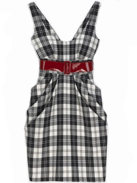 <p> <br /><strong>Styles to go for</strong> - tea dresses, A-line, chiffon, floral and retro prints</p>  <p> <br /><strong>Cosmo loves</strong> black and white tartan print dress, Miss Selfridge, £45</p>  <p> </p>