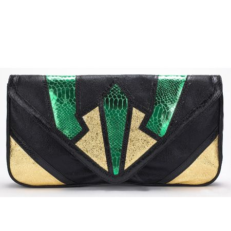 <p> </p><p>Start saving now for this season's brilliant and beautiful bags! Cosmo has banished the boring and hunted down the hottest handbags on the highstreet. From faux snakeskin to patent and brightly coloured to fringing, here's the chicest clutches your arms have been waiting all summer for <br /></p>