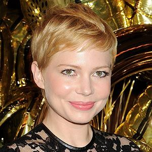 <p>With her cute crop and even cuter face we were thrilled to see Michelle Williams arrive in London for the Mulberry Fashion Week dinner. Her super-cool crop with its golden blonde hue is definitely one of our favourite looks</p>