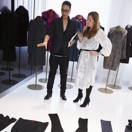 <p>In this month's Cosmo our Fashion Director Shelly Vella caught up with the nation's favourite stylist, Gok Wan. Here she puts his body shape tips to the test on the high street to bring you the perfect pieces for your figure!</p>