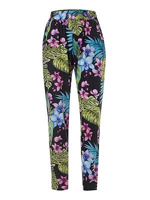 "<p>Want to dip your toe (or leg) into the print trend this spring but without spending a small fortune? Primark have come up trumps with this pair of bloomin' lovely peg legs.<br /><br />Printed trousers, £10, <a title=""Primark"" href=""http://www.primark.co.uk/%20"" target=""_blank"">Primark</a></p>"
