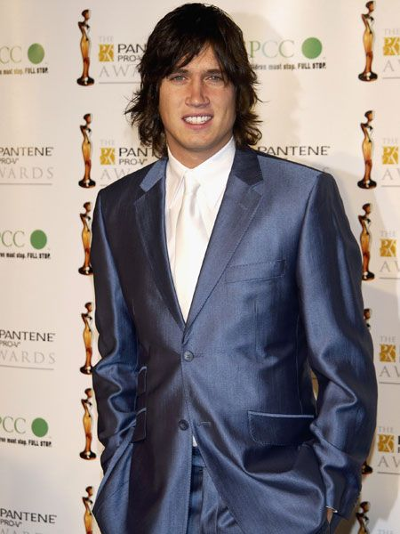 Attending the Pantene Pro-V Awards in 2003, the presenter reminds us he's as famous for his lovely locks as much as his looks  <br />