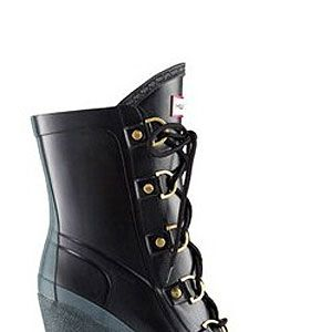 <p>These are THE wellies for this weather, fashionistas...</p>