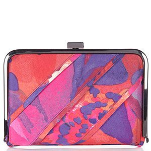 <p>Every gal needs a statement clutch - especially with wedding season coming up - and this modern printed style will fashion up everything you own!</p>