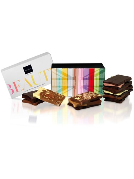 """Chocoholics will be captivated by this ultimate collection. The bars are almost too beautiful to bite, but you'd find it tough to turn down a try of these tablets. Each of the ten slabs is a taste sensation - flavours include milk, dark, rocky road, chilli and orange, strawberry white and Cosmo's fave, caramellow. Buy your box at <a target=""""_blank"""" href=""""http://www.hotelchocolat.co.uk/"""">www.hotelchocolat.co.uk  </a><br />"""