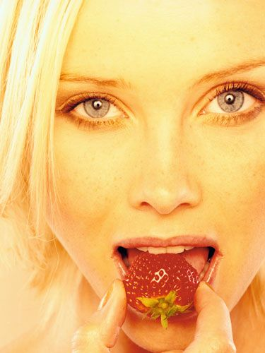 Lip, Jaw, Eating, Taste, Food craving, Ingredient, Eyelash, Sweetness, Blond, Tooth,