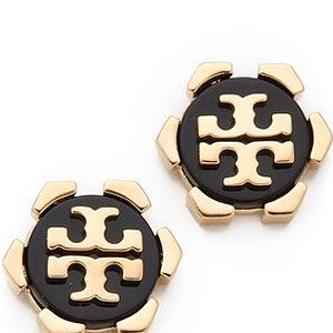 """<p>You know you're in New York City when you're surrounded by some of the most luxurious fashion brands in the world. Feel like a Gossip Girl with a pair of Tory Burch logo studs.</p><p>Tory Burch Walter Earrings, £51, <a title=""""http://www.shopbop.com/walter-earring-tory-burch/vp/v=1/845524441950577.htm?folderID=2534374302043323&fm=browse-brand-shopbysize-viewall&colorId=12867"""" href=""""http://www.shopbop.com/walter-earring-tory-burch/vp/v=1/845524441950577.htm?folderID=2534374302043323&fm=browse-brand-shopbysize-viewall&colorId=12867"""" target=""""_blank"""">Shopbop</a></p>"""