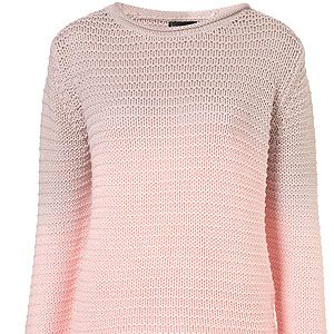 """<p>We spotted Florence Welch's stylist sitting front row in this very jumper. And now we want it. It shall be ours.</p><p>Knitted Dip Dye Chunky Jumper, £40, <a title=""""http://www.topshop.com/webapp/wcs/stores/servlet/ProductDisplay?beginIndex=1&viewAllFlag=&catalogId=33057&storeId=12556&productId=6279307&langId=-1&sort_field=Relevance&categoryId=208525&parent_categoryId=203984&pageSize=200"""" href=""""http://www.topshop.com/webapp/wcs/stores/servlet/ProductDisplay?beginIndex=1&viewAllFlag=&catalogId=33057&storeId=12556&productId=6279307&langId=-1&sort_field=Relevance&categoryId=208525&parent_categoryId=203984&pageSize=200"""" target=""""_blank"""">Topshop</a><br /><br /></p>"""