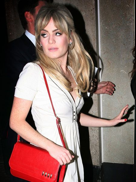 Woman of the moment Duffy was seen arriving at the Ivy restaurant with music executives, possibly treating her to a posh slap up meal following her successful night at the Brits. We wonder if she had the three of her Brit awards crammed into that red handbag...  <br />