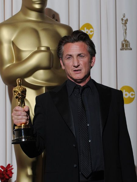 <h4>Winner: Sean Penn - Milk </h4>    <h4> </h4>    <h4>Nominees:</h4> <ul><li>Richard Jenkins - The Visitor<br /></li><li>Frank Langella - Frost/Nixon<br /></li><li>Sean Penn - Milk<br /></li><li>Brad Pitt - The Curious Case of Benjamin Button<br /></li><li>Mickey Rourke - The Wrestler<br /></li></ul>
