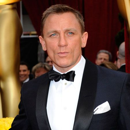 Delicious Daniel upped the fittie count by looking oh so sexy on the red rug. We'll never tire of seeing the buff Bond actor in a tux.  <br />