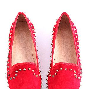 <p>The perfect prezzie for any discerning lounge lizard&#x3B; even a die-hard heels fan will want to slip into these scarlet spike outlined shoes.</p>