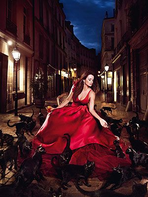 <p>Black cat cross your path? Oooh, watch out! As one of the most popular supersittions, Penelope Cruz wanted to combat this bad omen once and for all. Dressed in a gorgeous Zac Posen ox-blood draped shoulder bustier gown, we think she did a marvelous job getting the cat out of the bag.</p>
