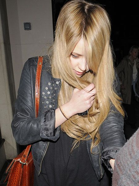 """It looks like <a href=""""tags/peaches-geldof/"""">Peaches Geldof</a> had an attack of the munchies after another legendary night out for the socialite. She tried to cover her face with her glossy mane as she popped into her local supermarket in the early hours...  <br />"""