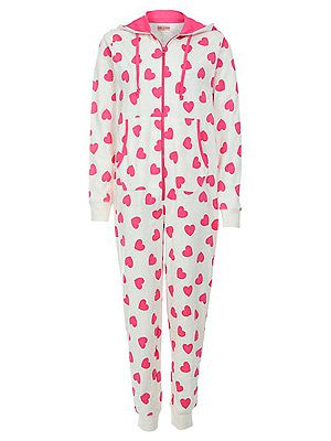 "<p>Who wouldn't fall in love with this cutesie onesie? In fact we love it so much, at least three Cosmo gals have it in the office. #cool</p> <p>White Heart Print Onesie, £22.99, <a href=""http://www.newlook.com/shop/womens/nightwear/white-heart-print-onesie_261386413"" target=""_blank"">New Look</a></p>"