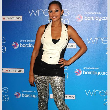 <em>Cosmo</em> fave Alesha Dixon sparkled when she took to the stage on the Sunday of Wireless in sequinned leggings and glitter shoes teamed with a monochrome top<br />
