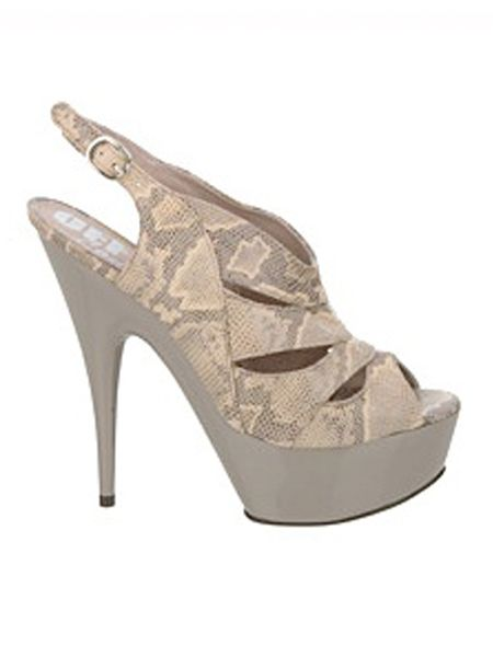 "<p>Woo hoo it's almost the weekend. And to help kick start your celebrations, here's another installment of Friday Fashion Fix with Fashion Assistant, Natasha Guiotto's selections from the high street...<br /></p><p><br />Left: Snakeskin heels, £85, <a target=""_blank"" href=""http://www.office.co.uk/womens/office/look_at_me_now/37/891/16281/1/"">Office</a> - Wow, these shoes are to die for. Not for the fainthearted but a wardrobe must-have</p>"