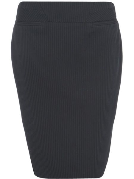 "Always opt for a darker colour on your lower half to slim it out. Pencil skirts have a great cut for thicker hips <p> </p><p>£20, <a href=""http://www.dorothyperkins.com/webapp/wcs/stores/servlet/ProductDisplay?catalogId=33053&categoryId=212187&productId=1730373&cmpid=awin&beginIndex=0&viewAllFlag=&langId=-1&parent_category_rn=208660&storeId=12552&_$ja=tsid:19886"" target=""_blank"">www.dorothyperkins.com</a></p>"