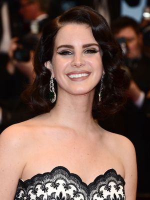 <p>Styling her hair into a faux bob gives Lana the ultimate set and finish. Showing off her glossy locks to full effect, the key to retro Marcel waves is making sure they sit in one neatly manicured section rather than spiralling off in different directions. </p> <p><strong>DIY top tip:</strong> If you're using a wand to create your waves, comb your hair first and then wrap it round the barrel when it's completely flat, any kinks or bends in the hair will scupper the style and give your curls more of a beachy finish.</p>