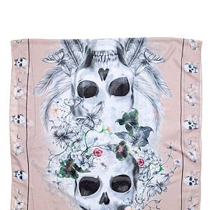 """<p>Don't limit your accessorizing to stackable bangles and chunky necklaces. Instead, make a statement with a cool patterned scarf. This H&M foulard's skull print toughens up a pastel background and girlie florals. We heart. </p><p>Scarf, £6.99, <a href=""""http://www.hm.com/gb/product/14227?article=14227-C"""" target=""""_blank"""">H&M</a></p><p> </p>"""