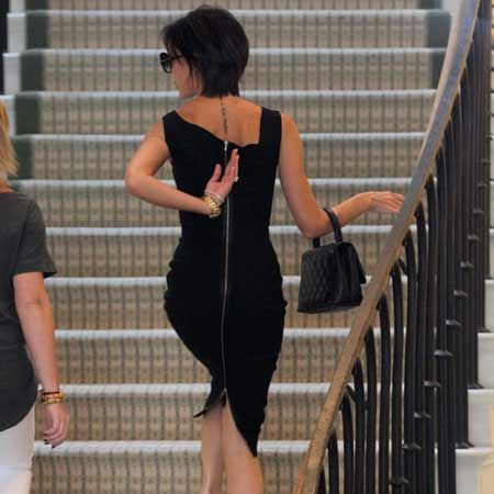 Victoria Beckham could barely manage to climb the stairs in her skin-tight black frock while out shopping in New York. But we thought she'd have more trouble with those shoes! Lucky that the former Spice Girl is so light...  <br />
