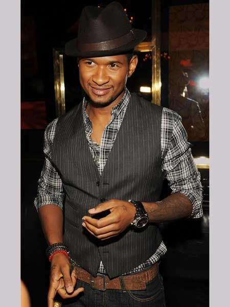 This sexpot is super slick when it comes to his dance moves and super snappy when it comes to his dress sense. Usher plays up to the old-school cool in a waistcoat and we like it a lot  <br />