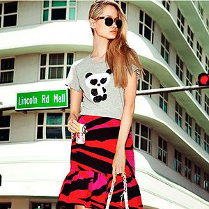 <p>Now here's a summer fashion trend that's surely everyone's cup of TEE: The trophy T-shirt.</p><p>Take the humble T-shirt, put it in a luxe fabric or show-stopping colour&#x3B; add embellishment or a snarky stataement <em>et voila</em>! You have yourself one trophy tee.</p><p>Perefct for summer stylin', the trophy T-shirt is cool, comfortable and oh-so simple to wear&#x3B; dress yours upby tucking into a printed pencil skirt and heels or channel Cara Delevingne and wear yours with ripped jeans, rolled-up sleeves and plenty of 'tood.</p><p>It's time to tee up...</p><p> </p>