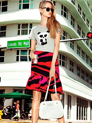 <p>Now here's a summer fashion trend that's surely everyone's cup of TEE: The trophy T-shirt.</p> <p>Take the humble T-shirt, put it in a luxe fabric or show-stopping colour; add embellishment or a snarky stataement <em>et voila</em>! You have yourself one trophy tee.</p> <p>Perefct for summer stylin', the trophy T-shirt is cool, comfortable and oh-so simple to wear; dress yours upby tucking into a printed pencil skirt and heels or channel Cara Delevingne and wear yours with ripped jeans, rolled-up sleeves and plenty of 'tood.</p> <p>It's time to tee up...</p> <p> </p>