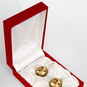 <p>Nope, we're not offering David Beckham on a silver platter, rather two golden jiggle balls. Simply insert the bling sex toys, then enjoy the vibrations as you move around. They also promise to intensify sexual pleasure after several uses. Bonus. </p>