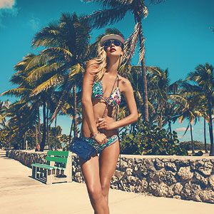 <p>Swimwear needn't be a nightmare! Your search for the Holy Grail of swimsuits to suit your bodyshape ends here.</p><p>Click through the gallery to find advice on the best swimwear for...</p><p>...small boobs</p><p>...big boobs</p><p>...round tummy</p><p>...boyish frame</p><p>...big bum</p><p>...apple-shape</p><p>...pear-shape</p><p>...hourglass</p><p>...covering EVERYTHING!</p>