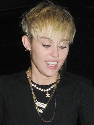 7 ways to style short hair, by Miley Cyrus