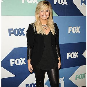 <p>New US X Factor judge Demi Lovato rocked up to the TCA summer party in a pretty wintry all-black ensemble.</p>