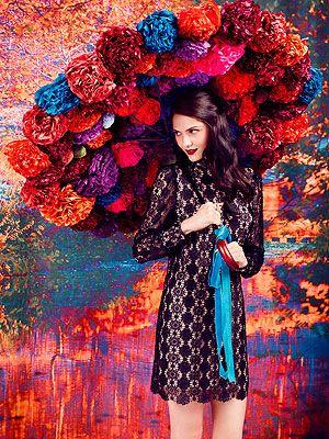 <p>Black lace dress £85</p>