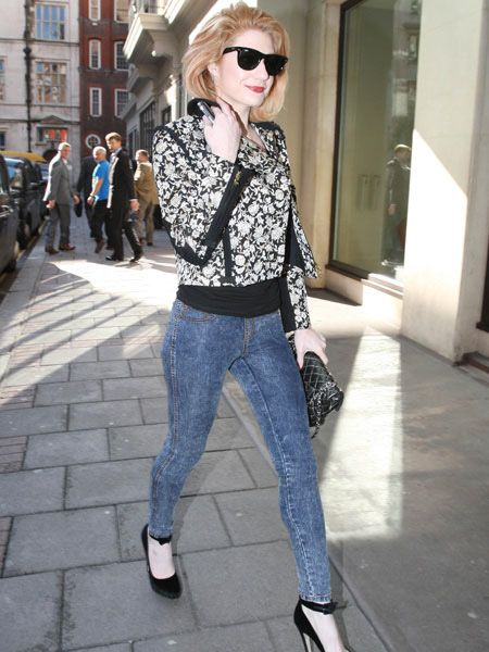 Girls Aloud glamour-puss Nicola Roberts strutted her stuff in a pair of super-skinny jeans and killer high-heels as she returned to her hotel in Mayfair...