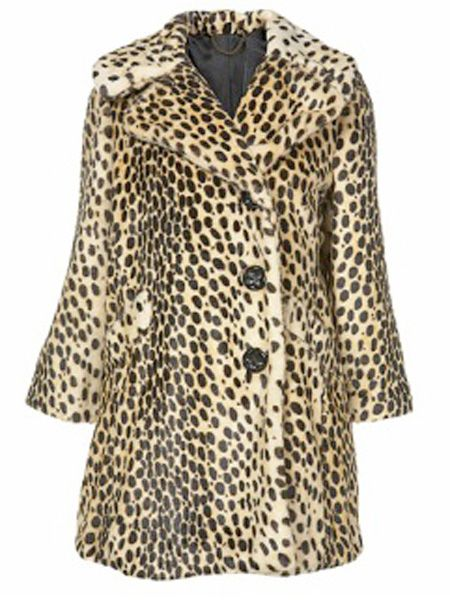 """<p>End of the month = pay day! Make the most of your new-found fortune and fluff out your wardrobe with some new fashion finds. For inspiration, <em>Cosmo</em>'s fashion assistant Natasha Guiotto has chosen this week's hottest pieces on the high street.<br /></p><p><br />Left: Wrap up in this vintage style leopard coat! Pat Butcher eat your heart out.. I want this now! <br /></p><p>£90, <a target=""""_blank"""" href=""""http://www.topshop.com/webapp/wcs/stores/servlet/ProductDisplay?beginIndex=0&viewAllFlag=&catalogId=19551&storeId=12556&categoryId=85424&parent_category_rn=42317&productId=1424227&langId=-1"""">www.tophsop.com </a></p><p> </p><p> </p>"""