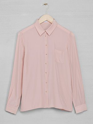 "<p>Pink long sleeve blouse,£29, <a href=""http://www.stories.com/New_in/All_new_in/Long_sleeve_blouse/591727-594863.1"" target=""_blank"">& Other Stories</a></p>"