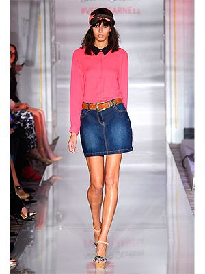 "<p>Looks like the collared top is still a popular style for spring 2014.</p> <p><a href=""http://www.cosmopolitan.co.uk/fashion/shopping/diane-von-furstenberg-nyfw-show-2013#fbIndex1"" target=""_blank"">SEE DIANE VON FURSTENBERG'S SS14 COLLECTION</a></p> <p><a href=""http://www.cosmopolitan.co.uk/fashion/Fashion-week/london-fashion-week-live-stream"" target=""_blank"">WATCH LONDON FASHION WEEK LIVE</a></p> <p><a href=""http://www.cosmopolitan.co.uk/fashion/shopping/the-fashion-fix-shop-bargain-buys"" target=""_blank"">SHOP: FASHION BUYS FOR £10 OR LESS</a></p>"
