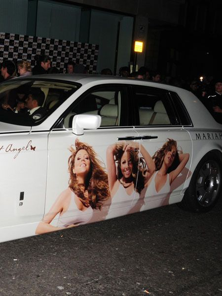 And talk about arriving in style... Mariah is as modest as ever in her choice of transport<br />