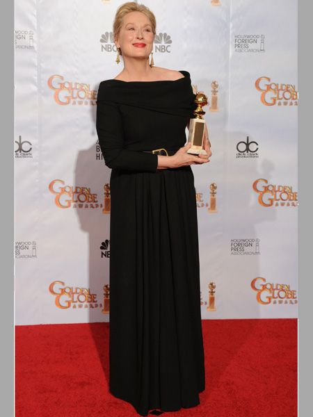 Looking gorgeous as ever, Meryl showed off her Best Performance by an Actress in a Motion Picture – Comedy or Musical award for <em>Julie & Julia</em>