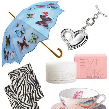 We've taking the headache out of finding the prefect pressie for your mum with our selection of gorgeous gifts that will show her how much she means to you