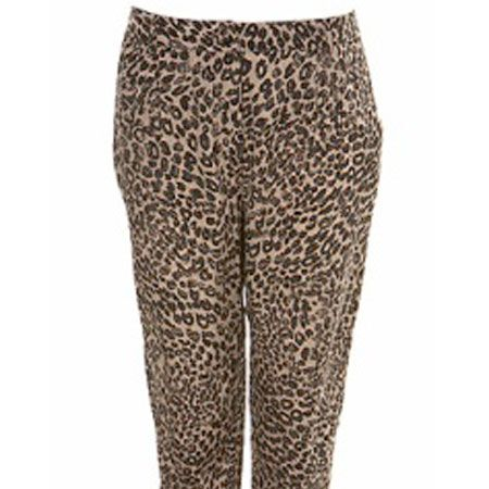 "Hareem trousers are so hot right now it's all we seem to be buying and we just can't resist these animal print ones!<br /><br />£30, <a target=""_blank"" href=""http://www.missselfridge.com/webapp/wcs/stores/servlet/ProductDisplay?beginIndex=0&viewAllFlag=&catalogId=20555&storeId=12554&categoryId=&parent_category_rn=&productId=1635459&langId=-1"">www.missselfridge.com</a><br />"