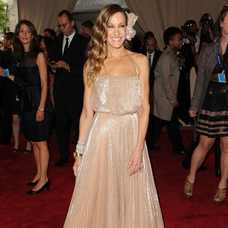There's never been so much hype around a film sequel and it's as much about seeing what Carrie wears in SATC2 as what SJP will rock on the red rug. Whether you love it or not the star's unique, experimental style makes her a modern glamour icon. Personally, we're Carried away