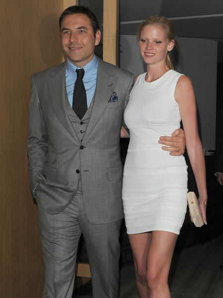 Newlyweds David Walliams and Lara Stone were spotted for the first time since they tied the knot, dinning at Nobu with Wallaims' former flame, Natalie Imbruglia. And married life seems to be treating the comedian and supermodel well, the pair looked refreshed and happy as they headed off to Claridges...  <br />