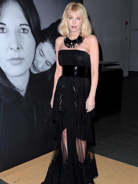 Courtney Love, is that really you? The Hole singer scrubbed up extremely well and almost beyond recognition as she attended Marina Abramovic's 'The Artist Is Present' exhibition in New York...  <br />