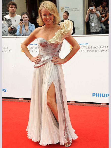 <p>Amanda went all out in a Grecian-inspired Quintana couture dress with a so-now split </p>